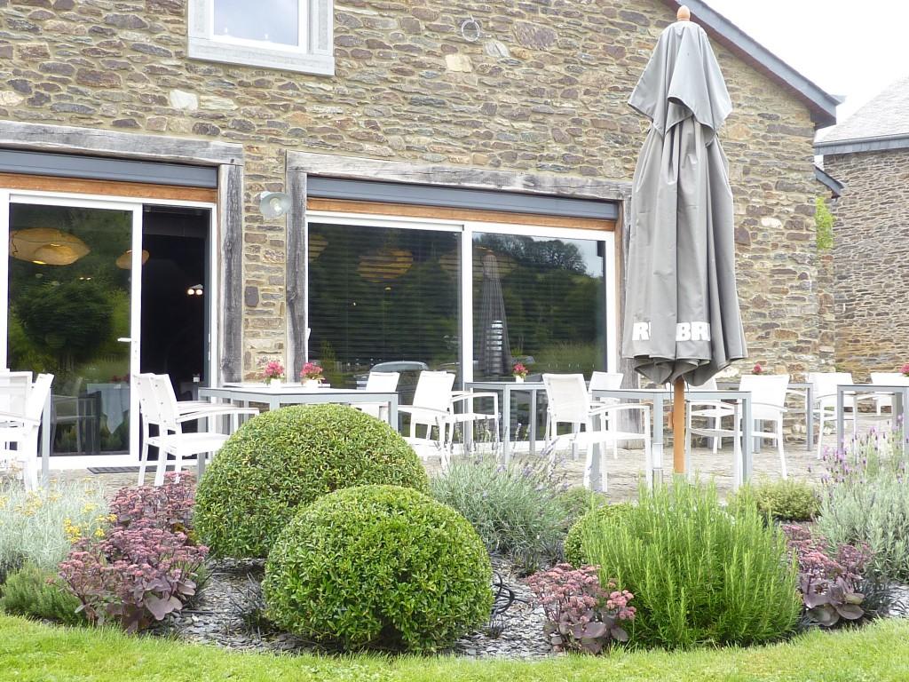 tables au jardin en wallonie