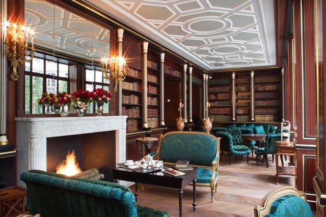 bd-La-Reserve-Paris-Hotel-library