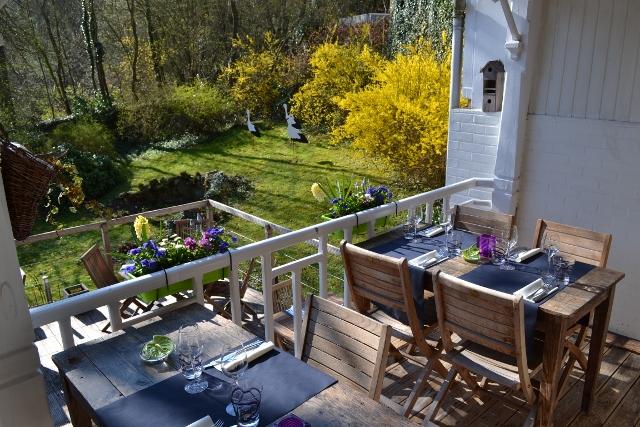 Table de Manon-terrasse&jardin (640x427)